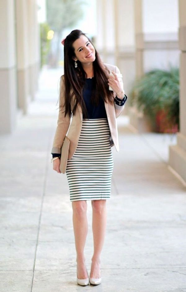 Office Outfit With Beige Blazer And Navy Blue Accents