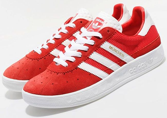 new arrival 5e3e4 d7504 Adidas Munchen in RED! Casual Sneakers, Casual Shoes, Everyday Shoes,  Southern Style