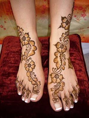 Floral Henna Design - Learn to make flower design with mehndi