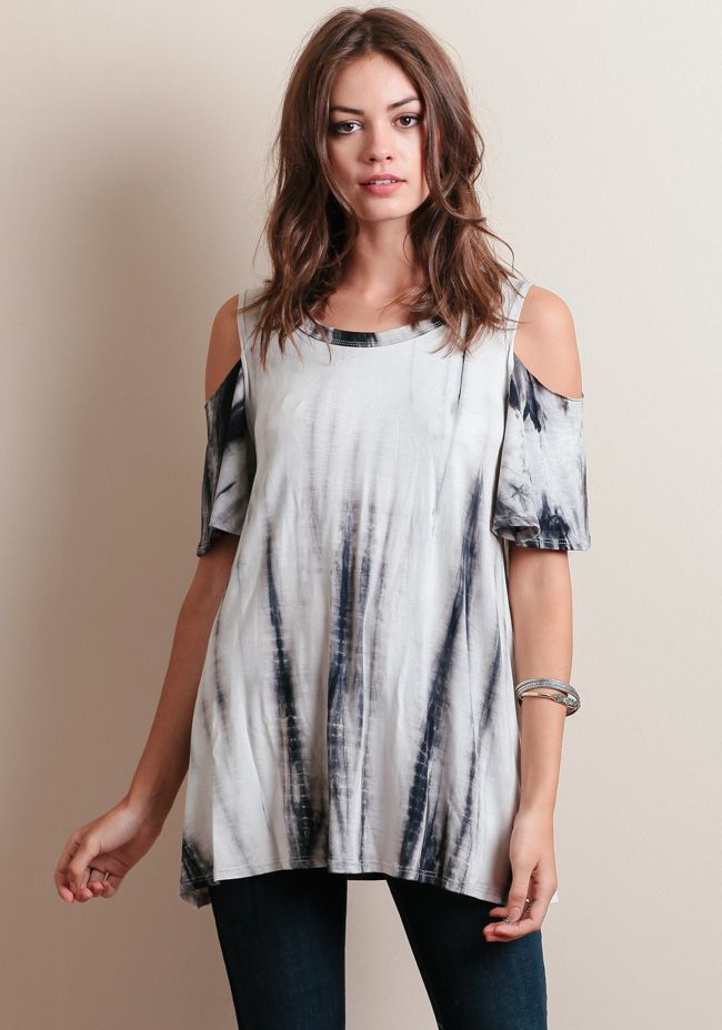 Finished with a flowy silhouette, this unique top is perfect for creating retro boho-inspired looks.