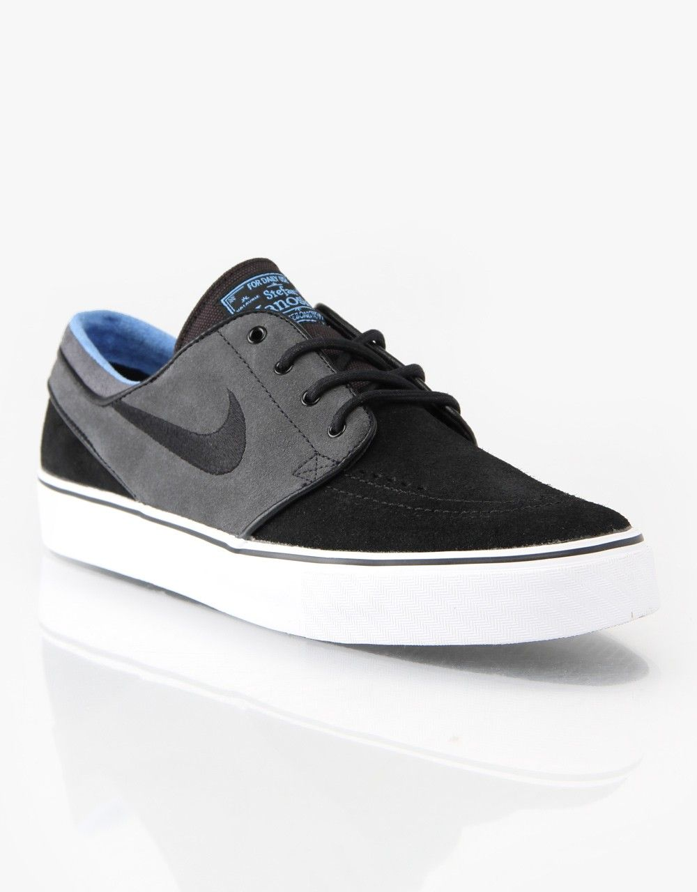 new styles db26f 42827 Nike SB Zoom Stefan Janoski Skateboarding Shoes