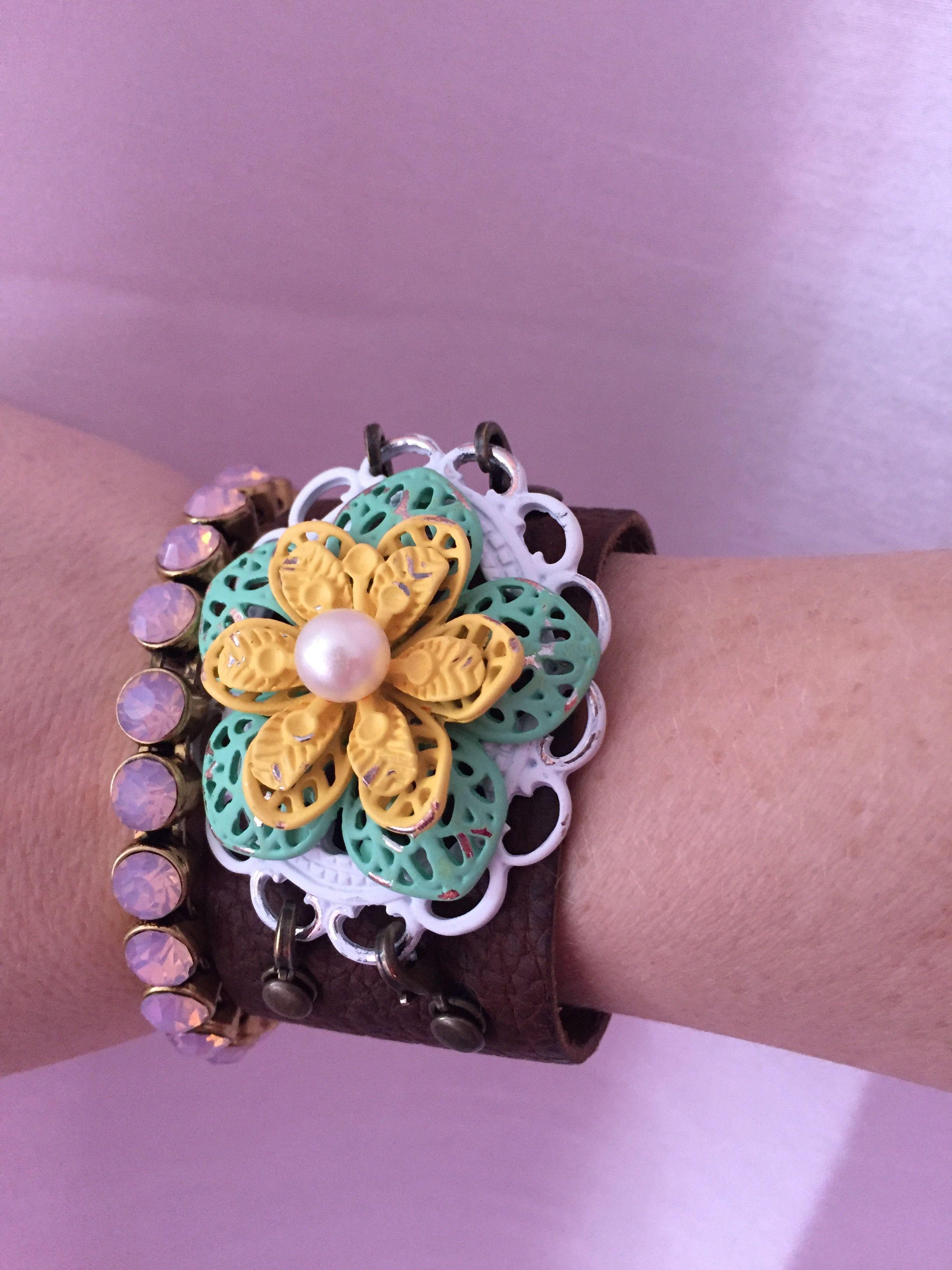 Plunder bracelet and cuff bracelet plunder