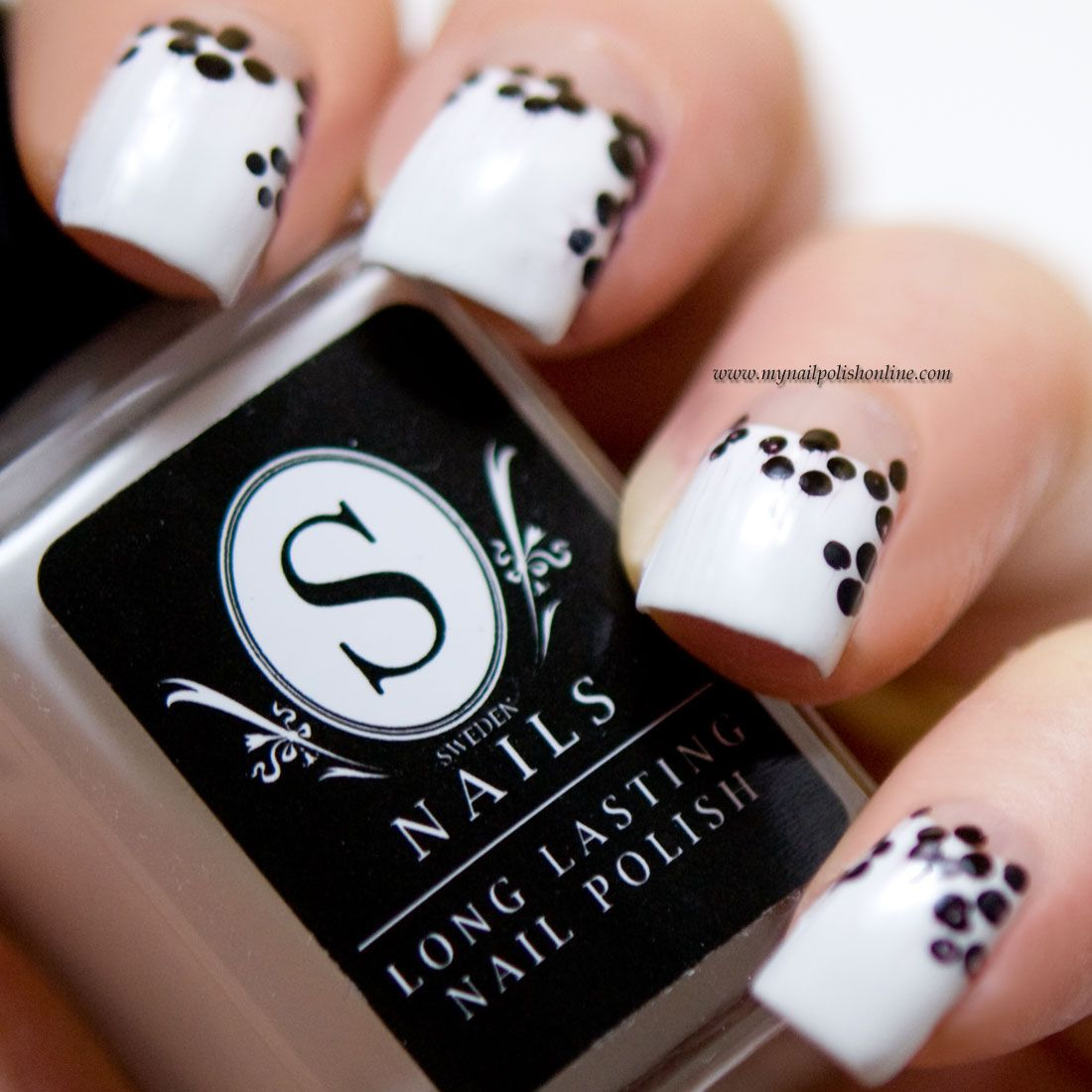 31DC2016 - B&W Nails | Nail polish online, White manicure and ...