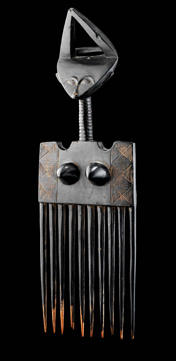 Africa | Comb from the Ashanti people of Ghana | Wood. H: 40 cm