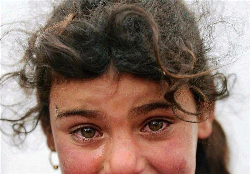 به گزارش آیسام، تابلوی «مونالیزا» مشهور به «لبخند ژکوند» اثر مشهور لئوناردو داوینچی است که در سالهای ۱۵۰۳ تا ۱۵۰۶ خلق شده است؛ اما امروز در سوریه این لبخند به طور واقعی برچهره کودکی نقش میبندد که ترس، غم و اندوه جنگ او را به این روز انداخته است. تصویری را میبینی