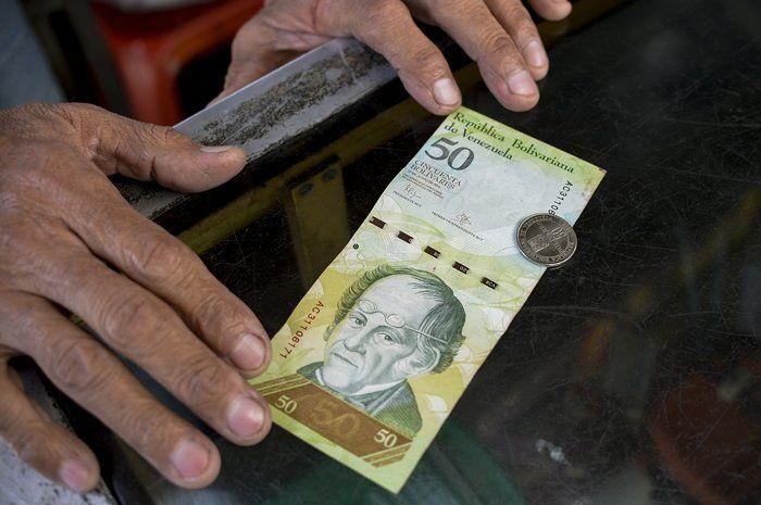En fotos: Nuevas monedas de Bs. 50 ya están en las calles de Caracas
