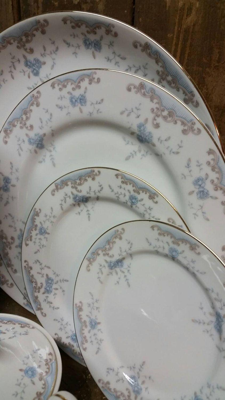 Dalton Seveille Dish W