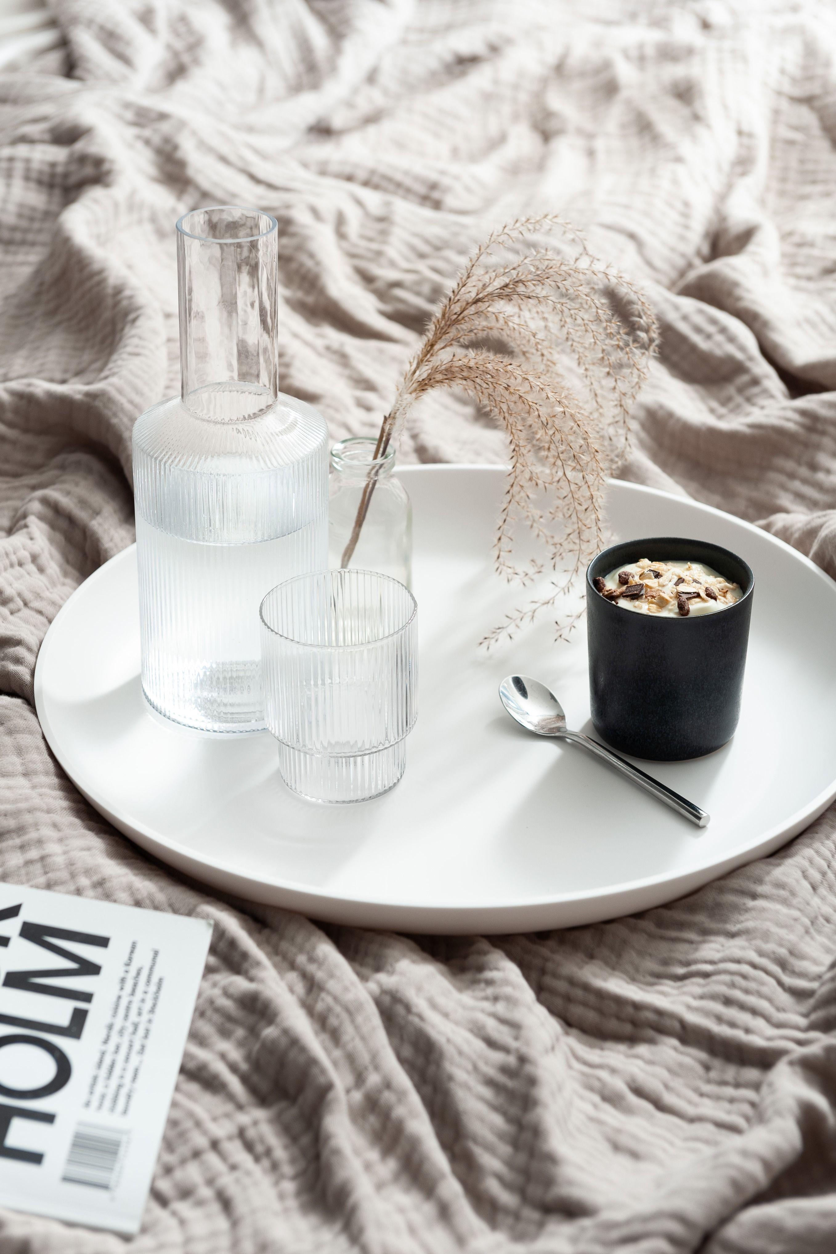 Yunic Corian Tray Online Kaufen Connox Shop Dekoration Deko Tablett Wohn Gluck