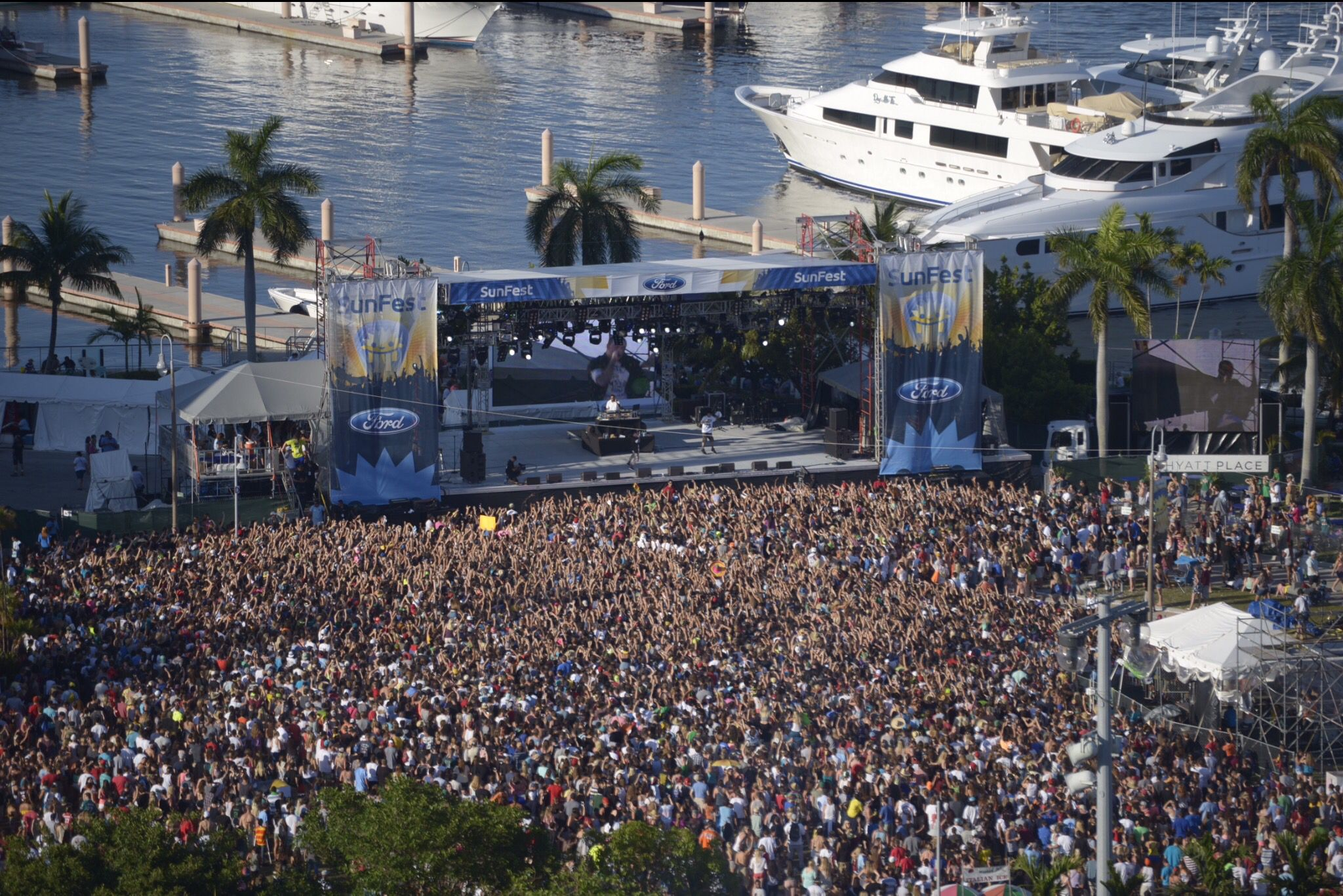 Sunfest Music Festival At The West Palm Beach Waterfront Downtown West Palm Beach Palm Beach Beach Books
