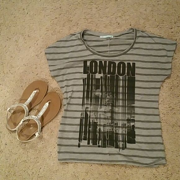 Maurices London top Super cute London top from Maurice's! Maurices Tops Tees - Short Sleeve