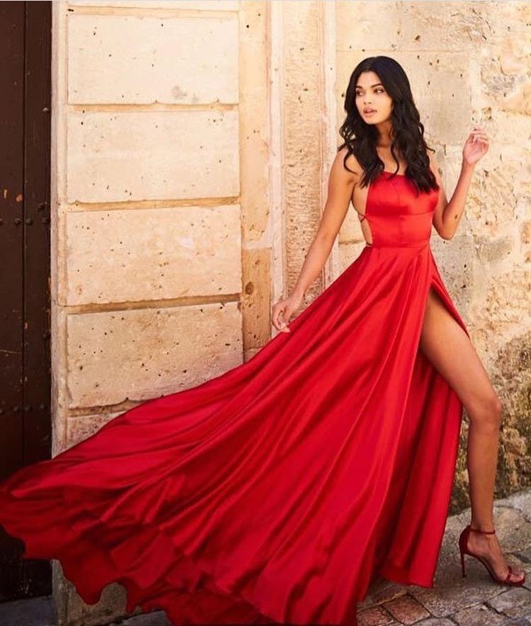 7149d1613613 Seeking a prom dress to wear to the forthcoming prom night  Get a picture of  the trending prom attires below.