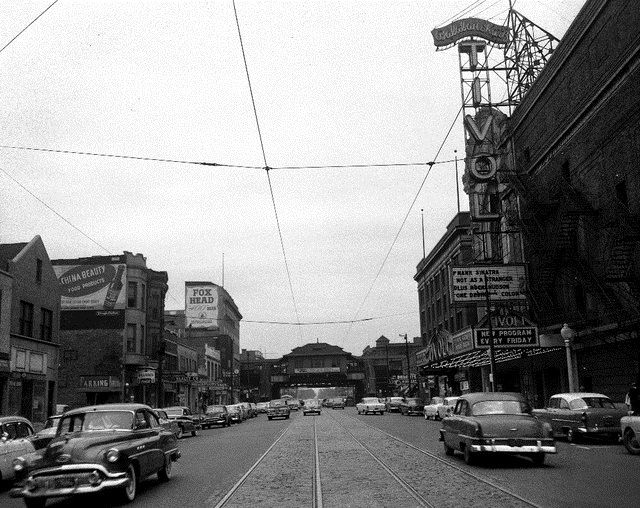 A 1955 Photo Of The Tivoli Theatre Which Was Located At 6325 S Cottage Grove Avenue The Tivoli Theatre Opened South Side Chicago Scenic Chicago Neighborhoods