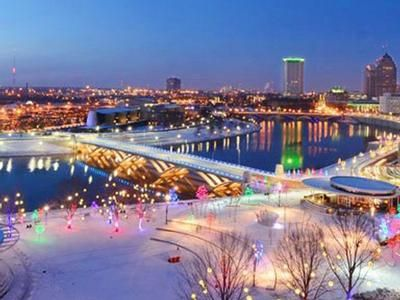Downtown Columbus Is Luminous This Time Of Year With Wonderous Lights Displays At Bicentennial Park On The City Of Columbus Ohio Travel Downtown Columbus Ohio