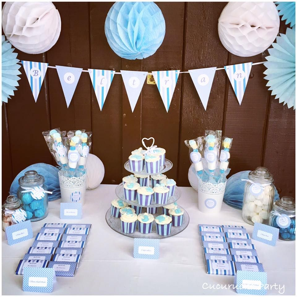 Mesa dulce bautizo ni o en azul y blanco baby shower for Mesa baby shower nino