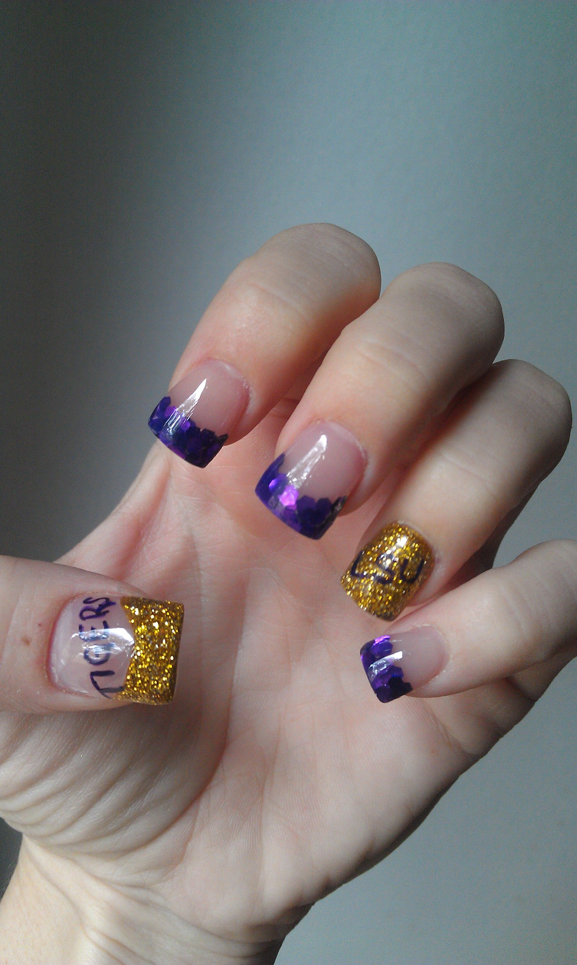 My nails and nail art idea. Geaux Tigers!! #lsu #geaux #louisiana ...