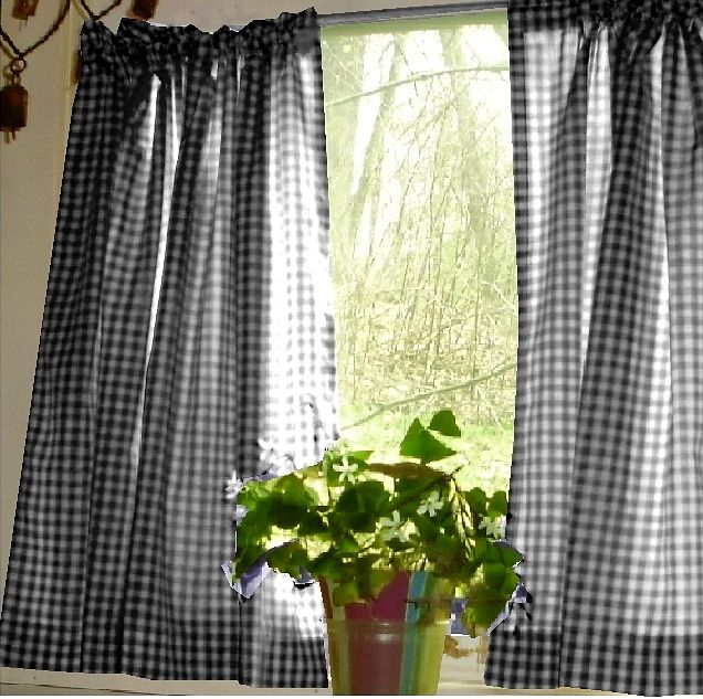 Nice Black Gingham Kitchen/Café Curtain (unlined Or With White Or Blackout  Lining In Many