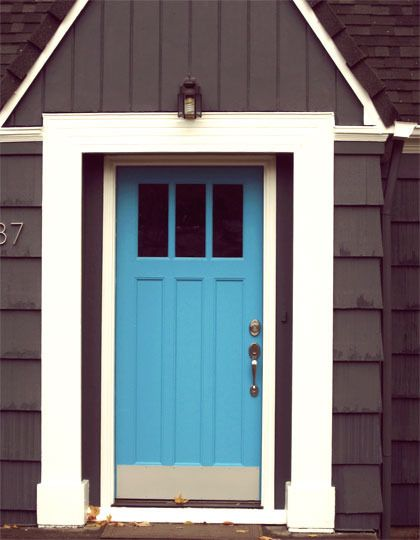 I Feel Like I M In Cape Cod When I Look At This Front Door And That S A Good Thing Turns Out Though It S Somew Aqua Front Doors Door Color Blue Front