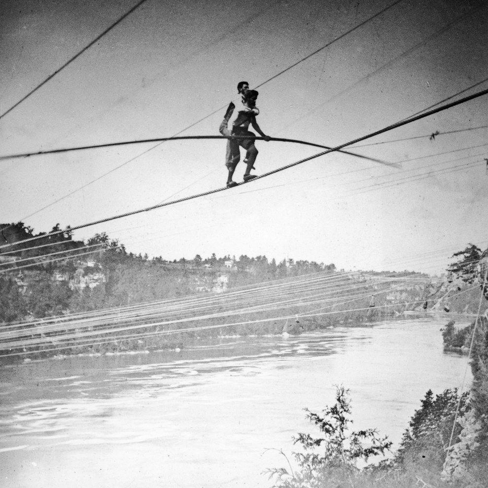 22 Amazing, Hair-Raising Vintage Photos Of Stunts | Amazing hair and ...