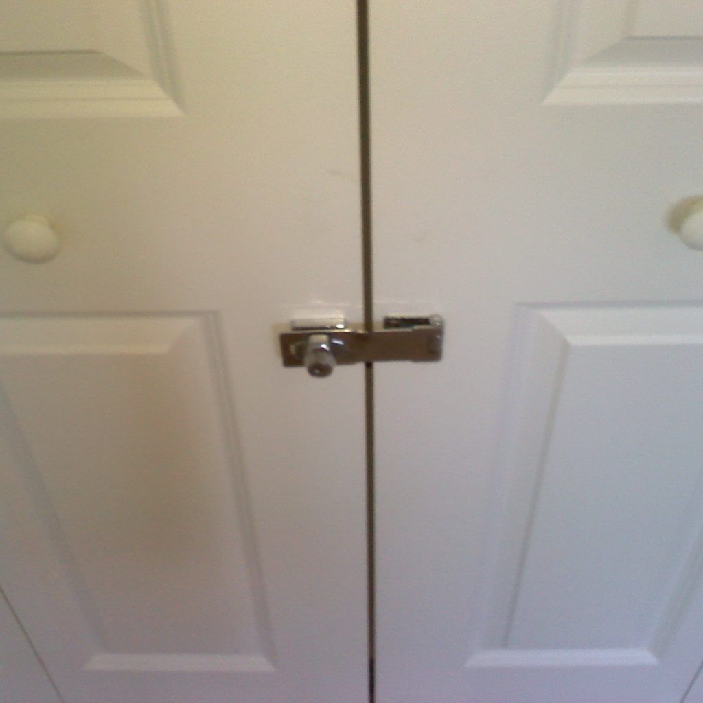 sliding closet door locks with key