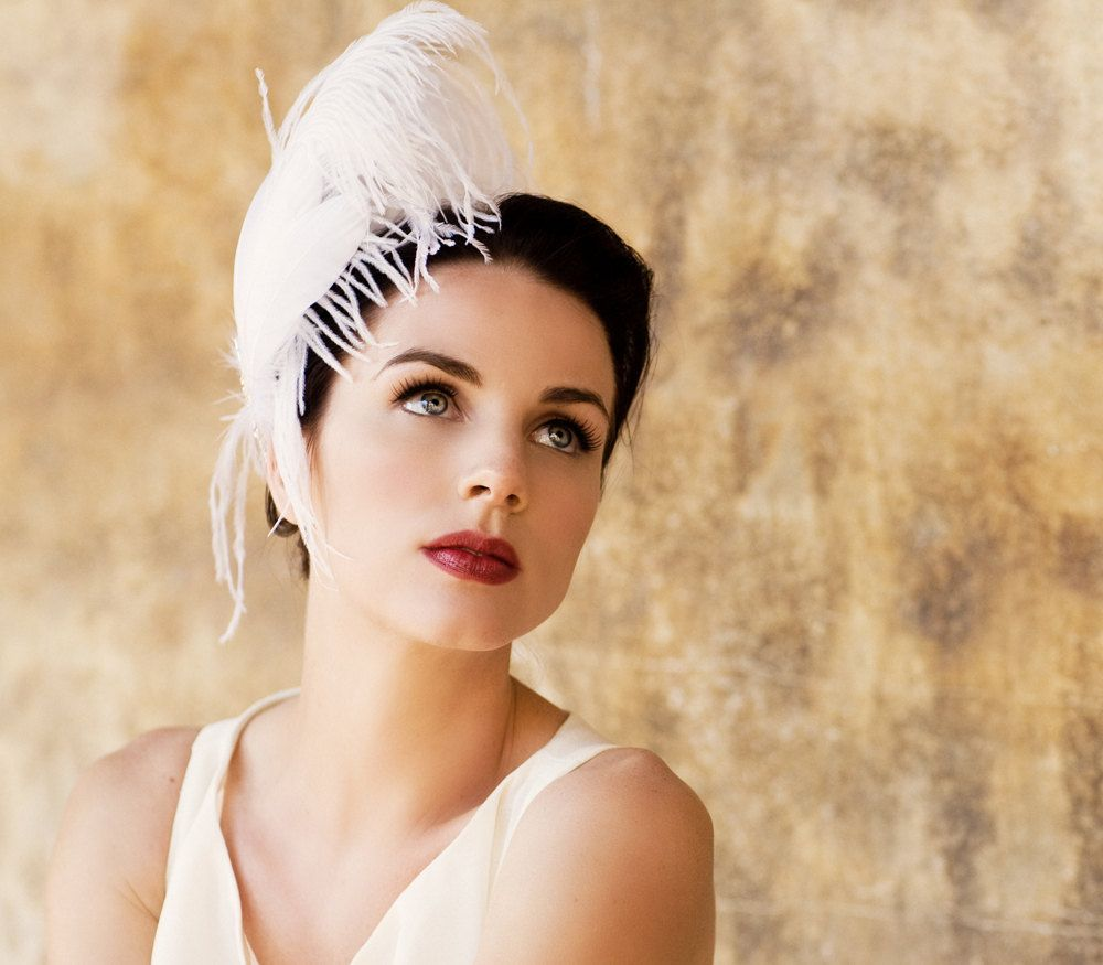 Ivory White Feather Fascinator - Unique Bridal Head Piece - Great Gatsby Wedding - 1920s Flapper Hair Accessory - Silver Star - Burlesque