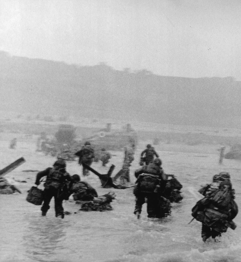 the omaha beach invasion Footage shows us forces storming omaha beach on june 6, 1944.