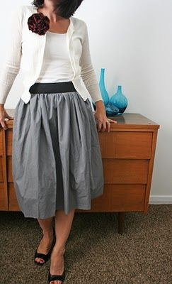 Love this skirt made out of two pillow cases and DIY Flower Pin
