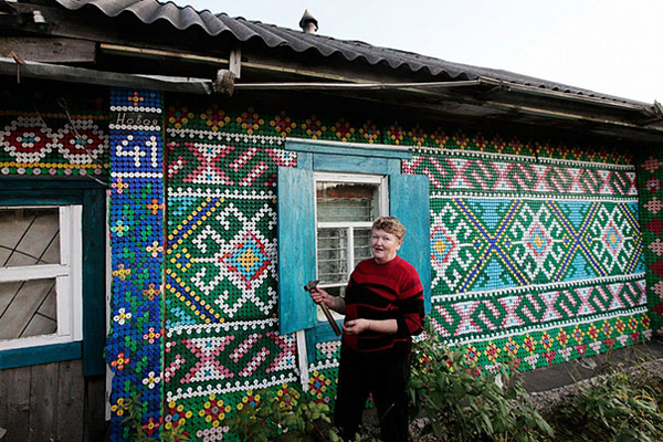 Russian Woman Decorates Her Home With 30,000 Bottle Caps