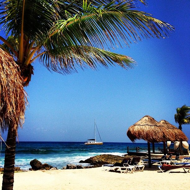 Beautiful beach on the Caribbean coast. Zona Hoteliera