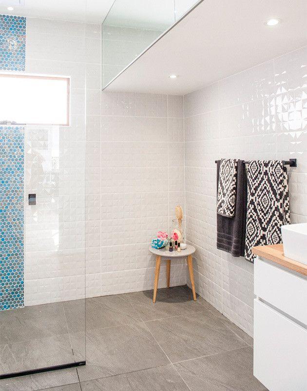bathroom zone 2 perfect arcade oval base bathroom wall. Black Bedroom Furniture Sets. Home Design Ideas