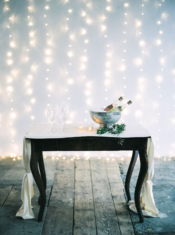 Beautiful #champagne table | Photo by Peaches & Mint