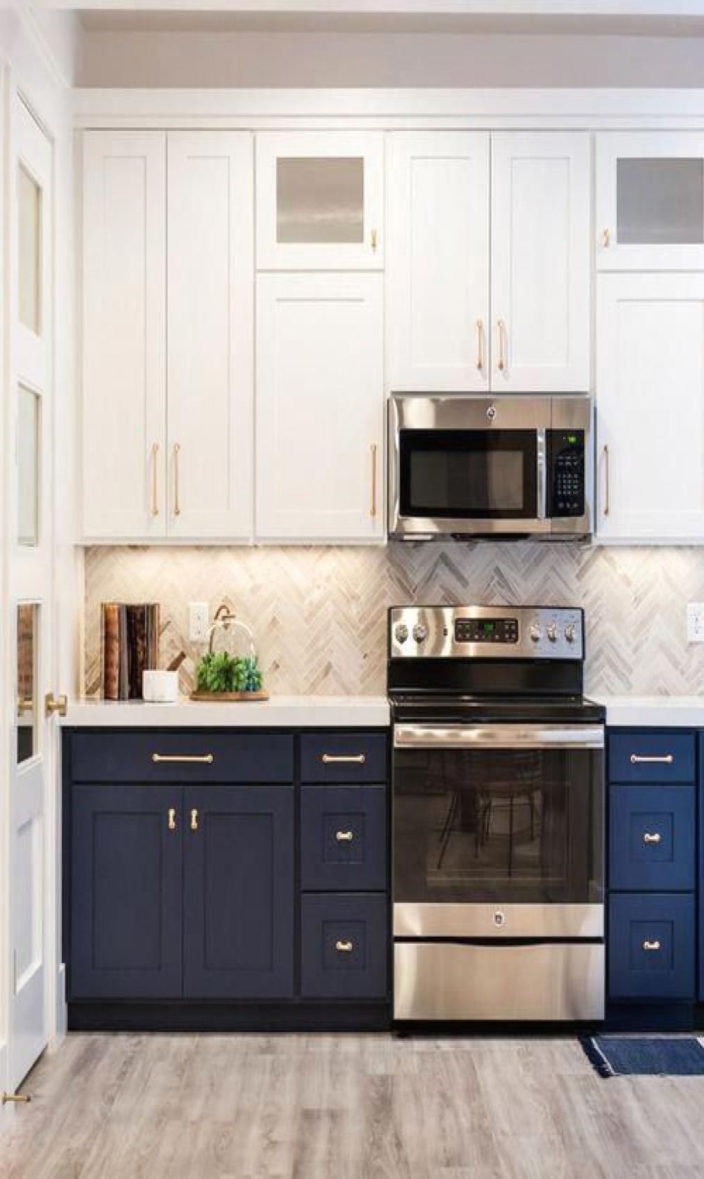 48 Inspiring Cottage Kitchen Cabinets Ideas With Country Style In 2020 Kitchen Cabinets Decor New Kitchen Cabinets Kitchen Cabinet Trends