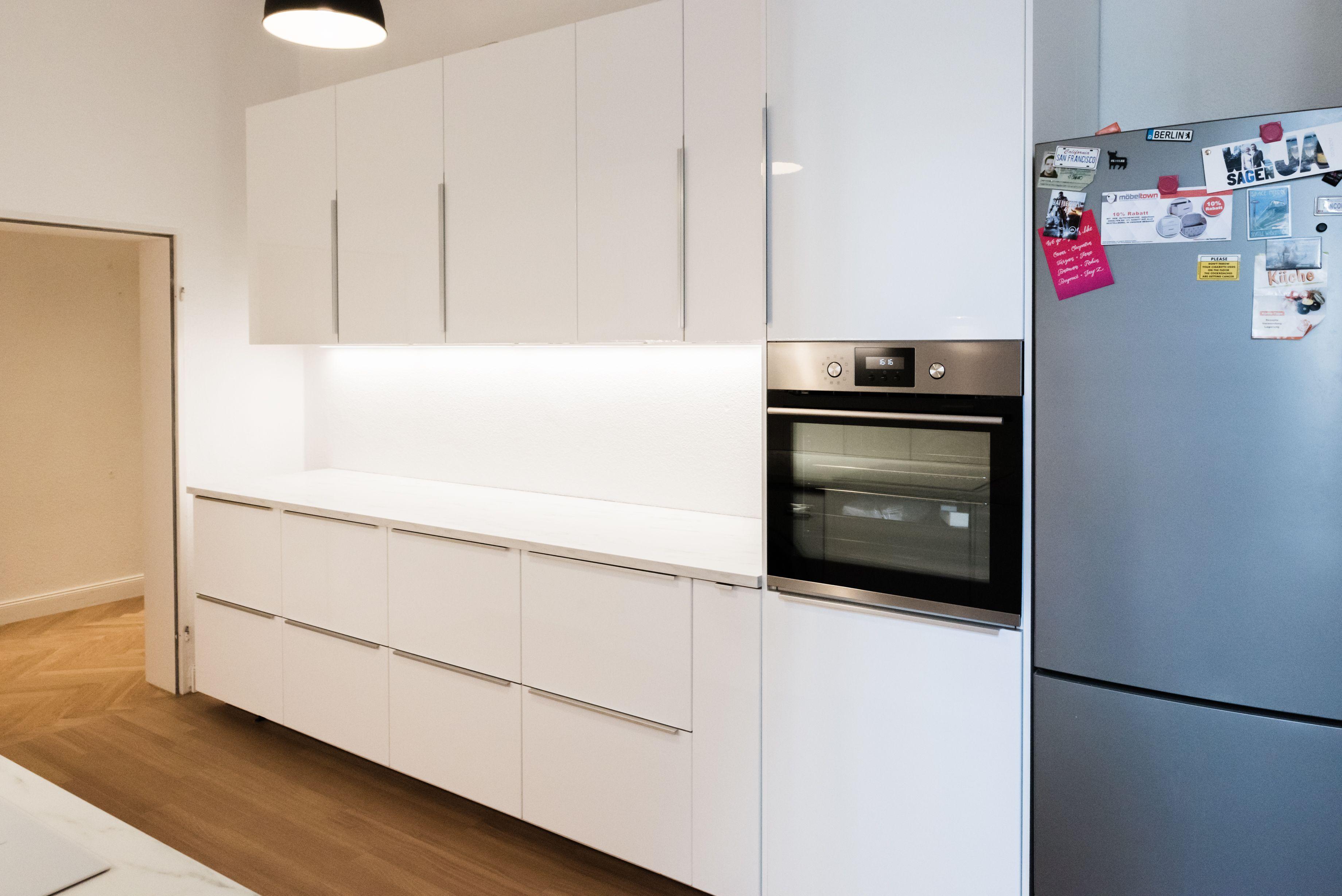 Ikea Metod Ringhult Kuche Mit Ekbacken Marmor Optik Arbeitsplatte Ikea Kuche Kuche Kaufen Kuchenschrank Ikea