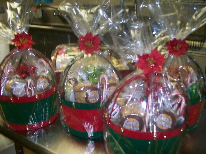 Christmas Gift Baskets Christmas Gift Baskets Gourmet Christmas Gifts Creative Gift Baskets
