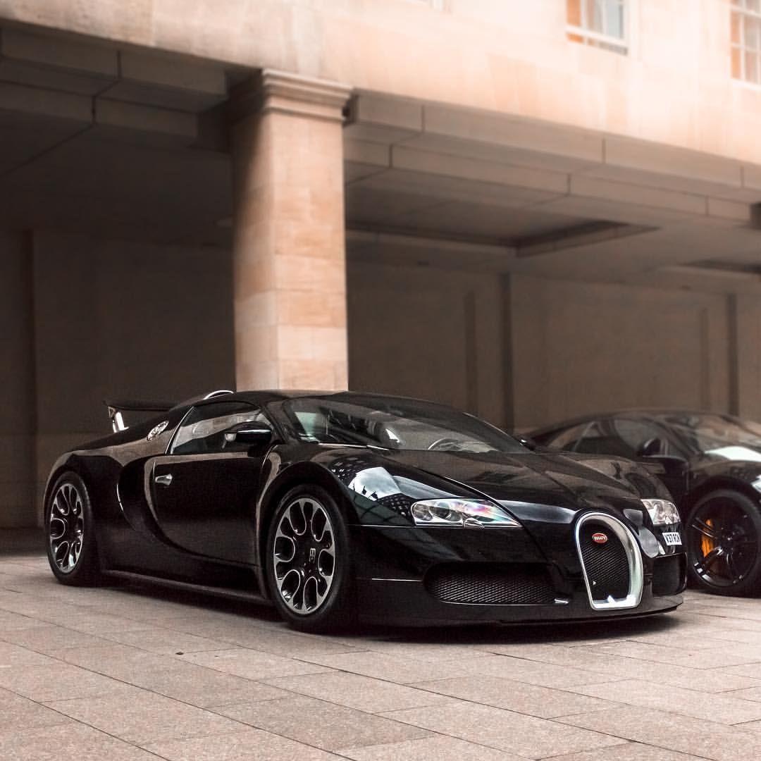 The Bugatti EB110 (With images) Bugatti cars, Super car