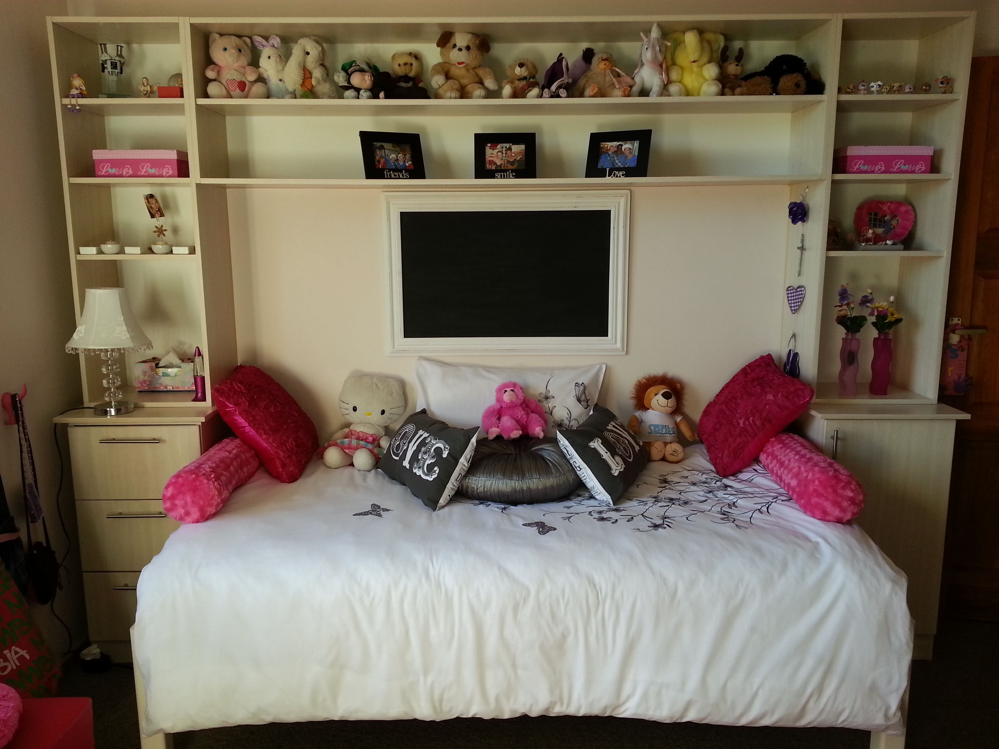 I like this room | Bedroom ideas | Teen girl bedrooms ...