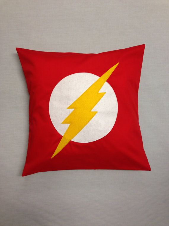 The Flash - Retro Superhero Novelty Cushion Cover Comic Pillow Boys