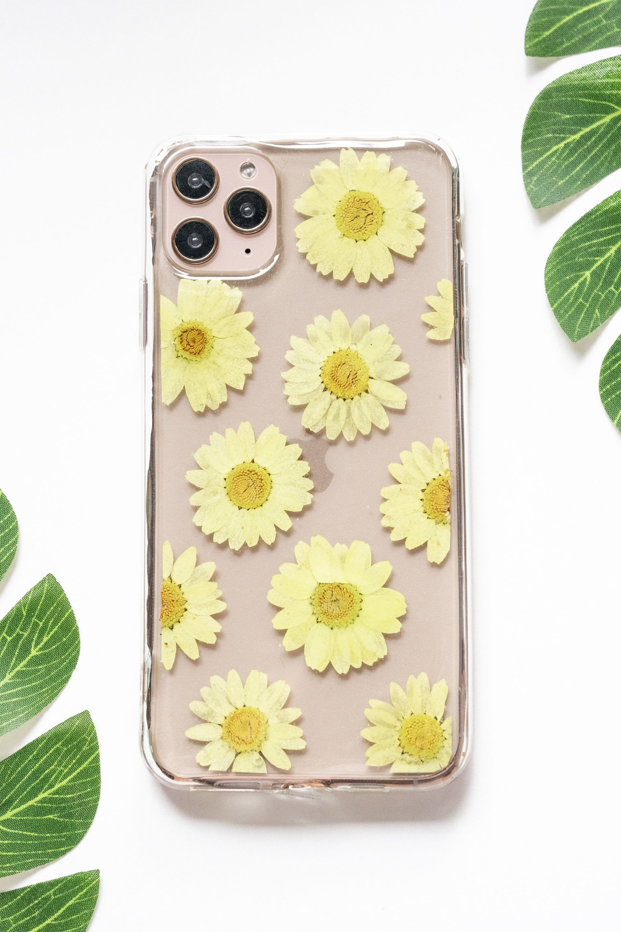 Chartreuse pressed flower iphone bumper case iphone 11