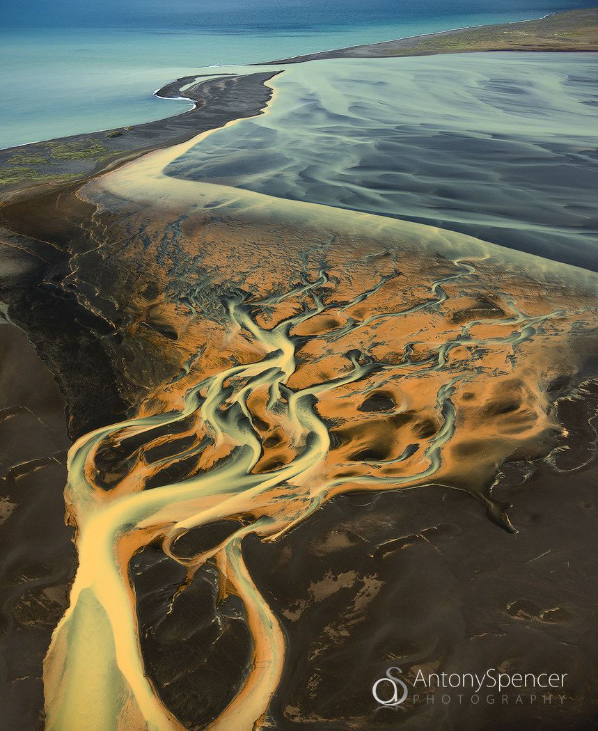 One river delta into another before entering what appeared