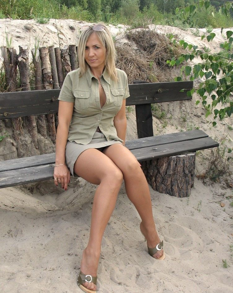 auckland milf women Swingers contacts from new zealand for free sex and dogging  hot and horny i love sexually pleasing women  auckland, oneroa: jarlynl looking.
