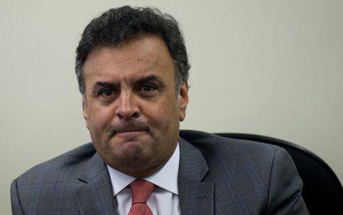 Aécio convoca a população para protestos contra Dilma