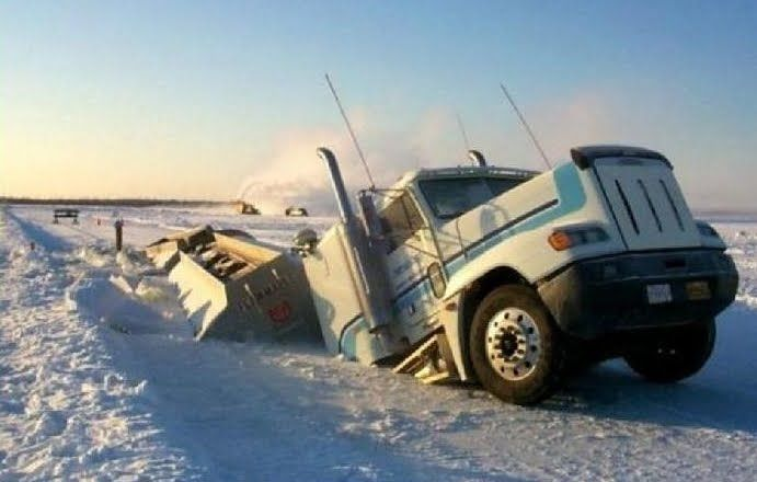 Looking For Alaska Car Accident: Amaze Pics & Vids: World's Worst Truck Accidents