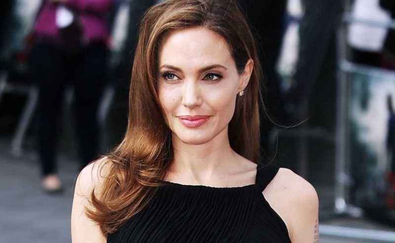 Angelina Jolie irá nuevamente a quirófano