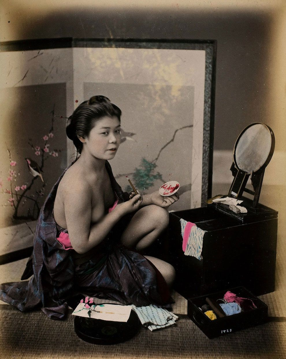 <b>A glimpse at what is known as the geisha golden age — and the kimonos are absolutely striking.</b>