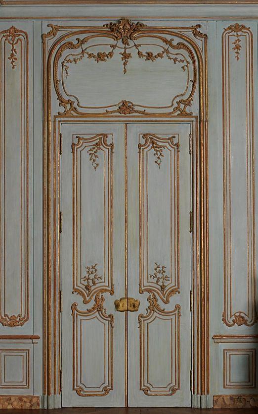 Boiserie doors
