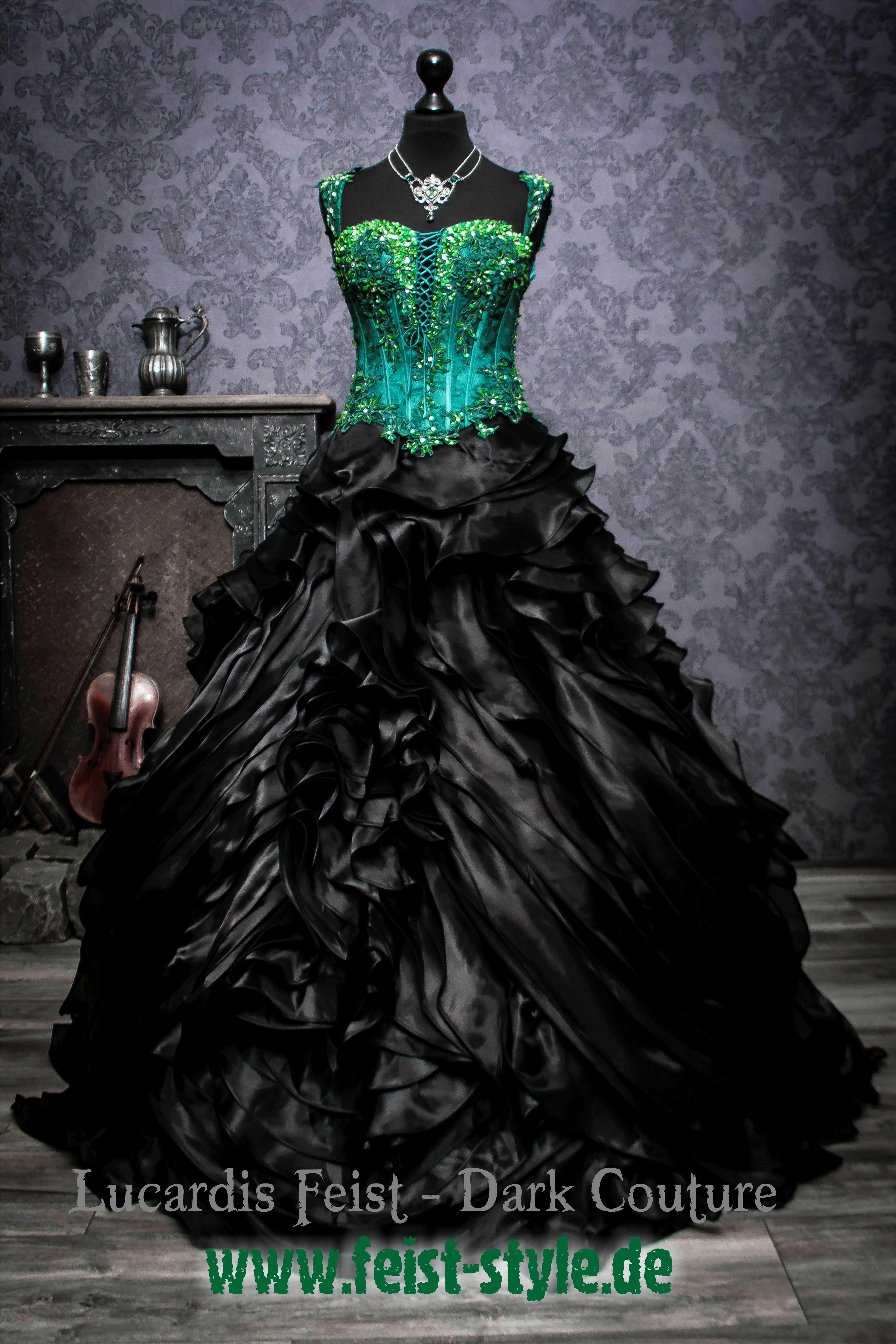 Brautkleid in Intensiv-Grün von Lucardis Feist  Braut kostüm