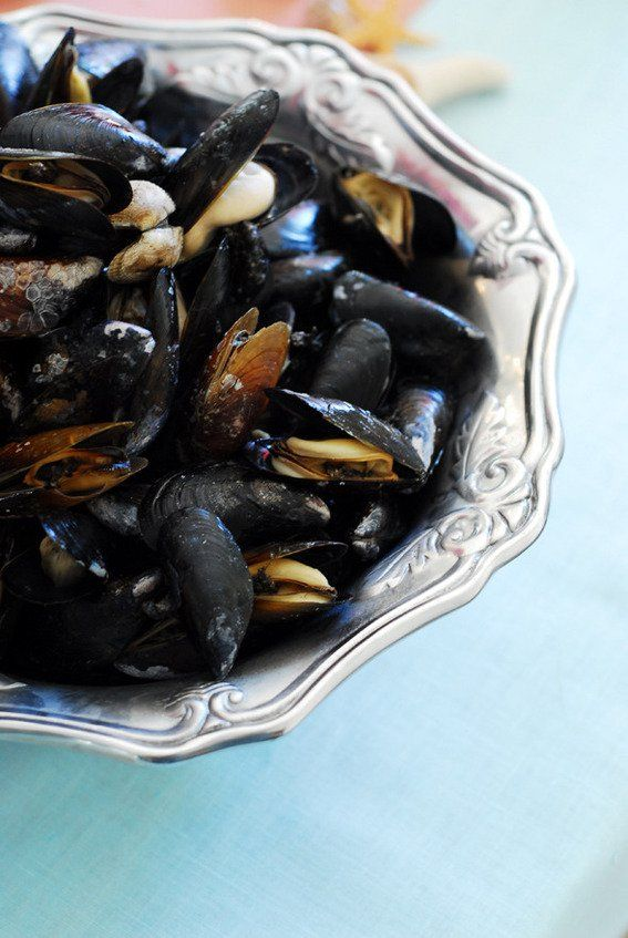 A Little Spring Fun: Steamed Mussels and Clams Recipe