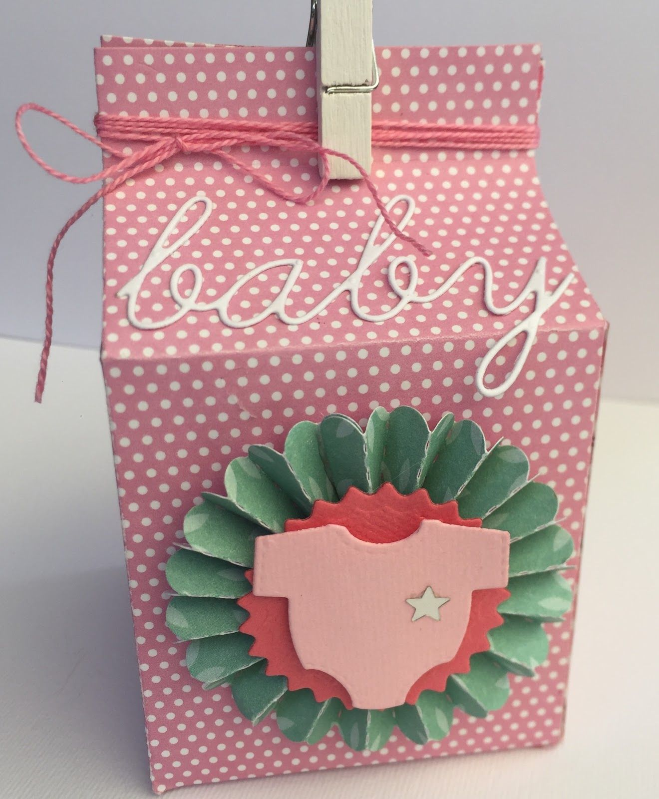 Piccole Scatoline Di Carta milk box for a sweet baby girl - packaging - palette colore