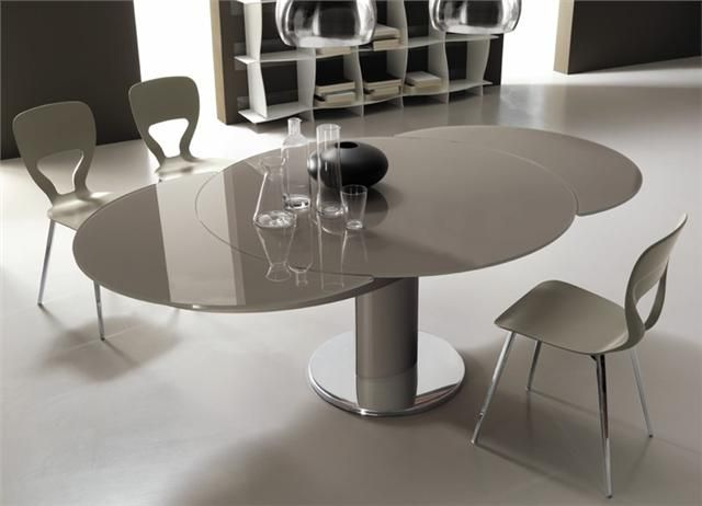 Modern Contemporary Giro Extending Round Italian Dining Table By