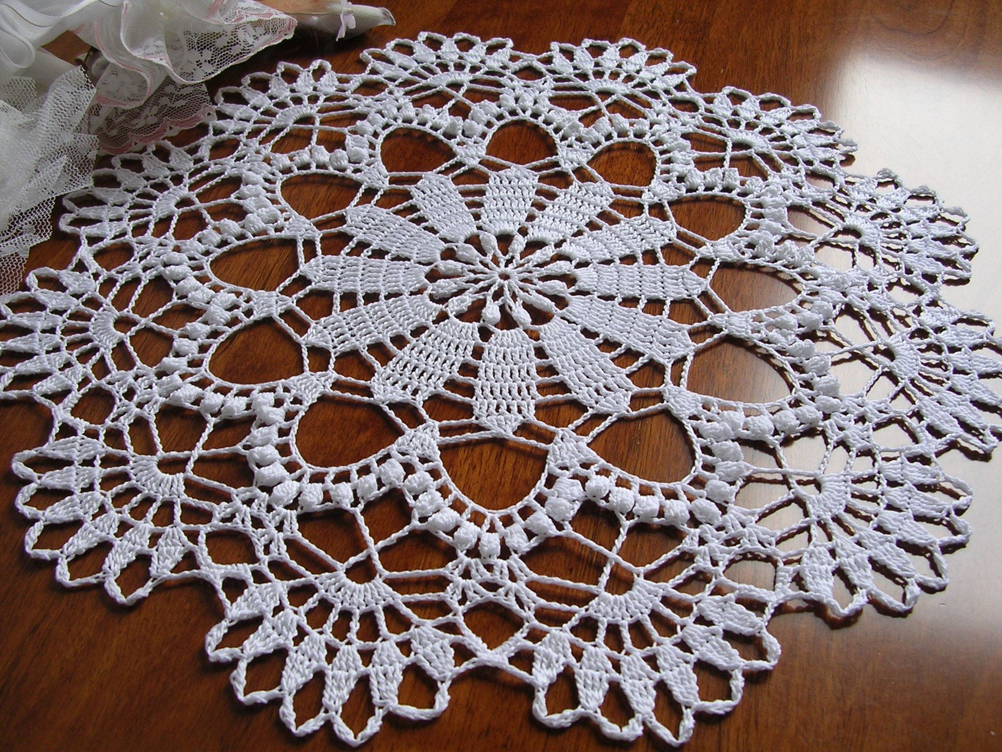 Round Doily Pattern Vintage Table Placemat Crocheted Centerpiece Doily Crocheting pattern 15 12 Diameter  *PDF Instant Download*