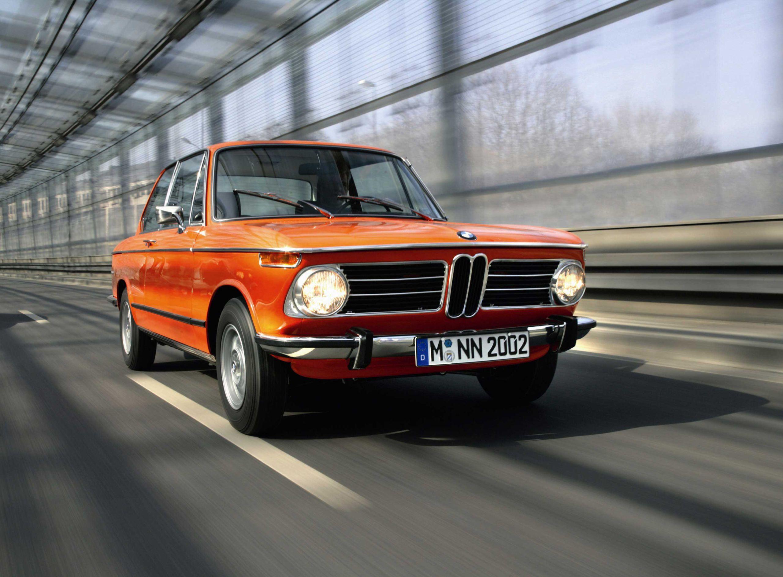 The Bmw 2002 An Automotive Icon Bmw Klassieke Auto S Oldtimers